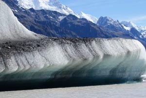 1230450_tasman_lake_iceberg