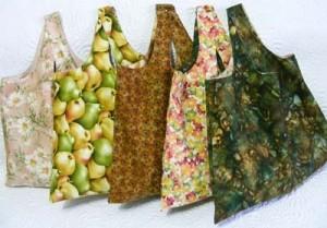 http://cadouri-din-inima.blogspot.com/2009/12/shopping-bag-sewing-tutorial.html