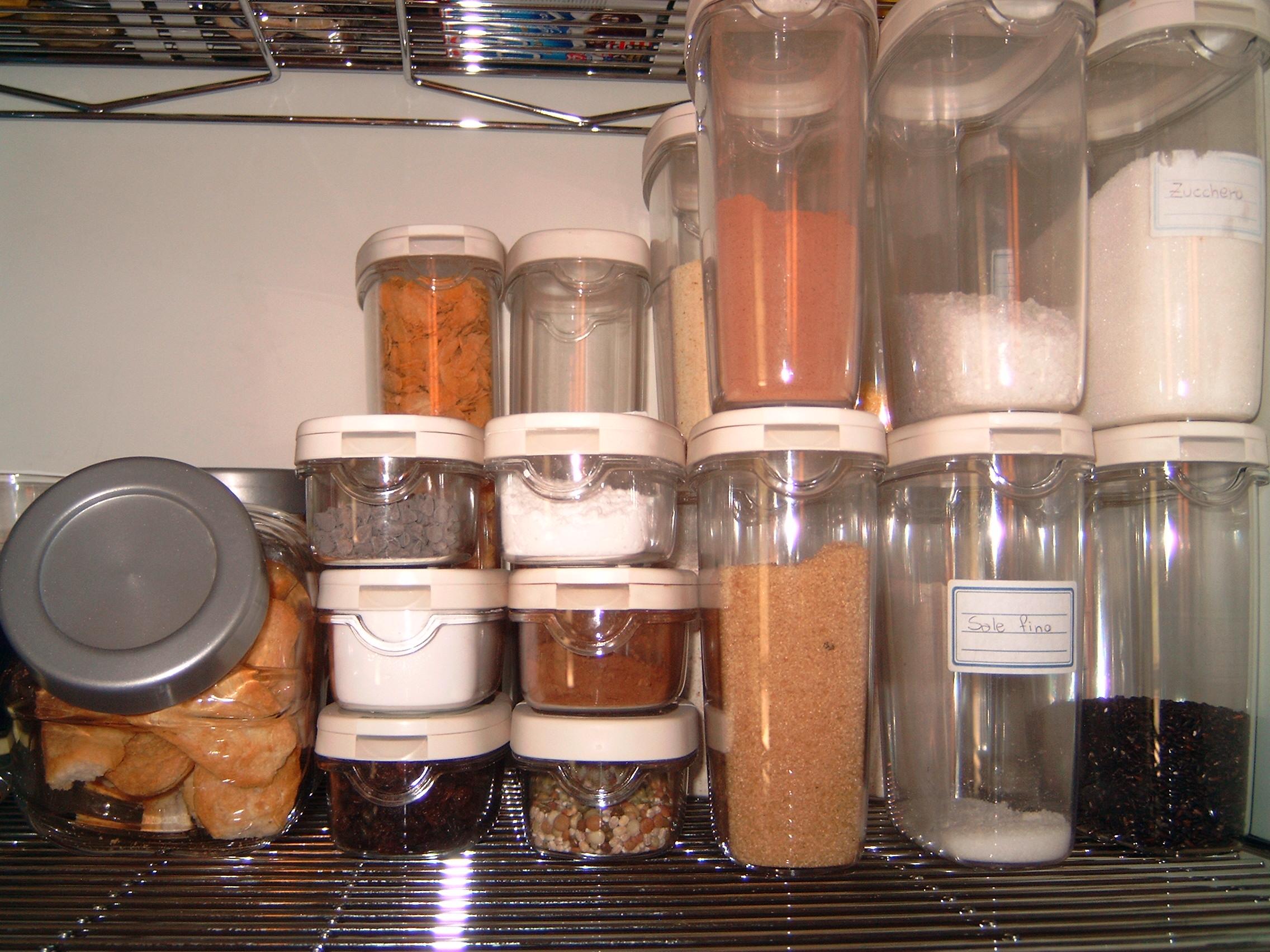 Idee Cucina In Ordine : Come fare per tenere in ordine la dispensa della cucina