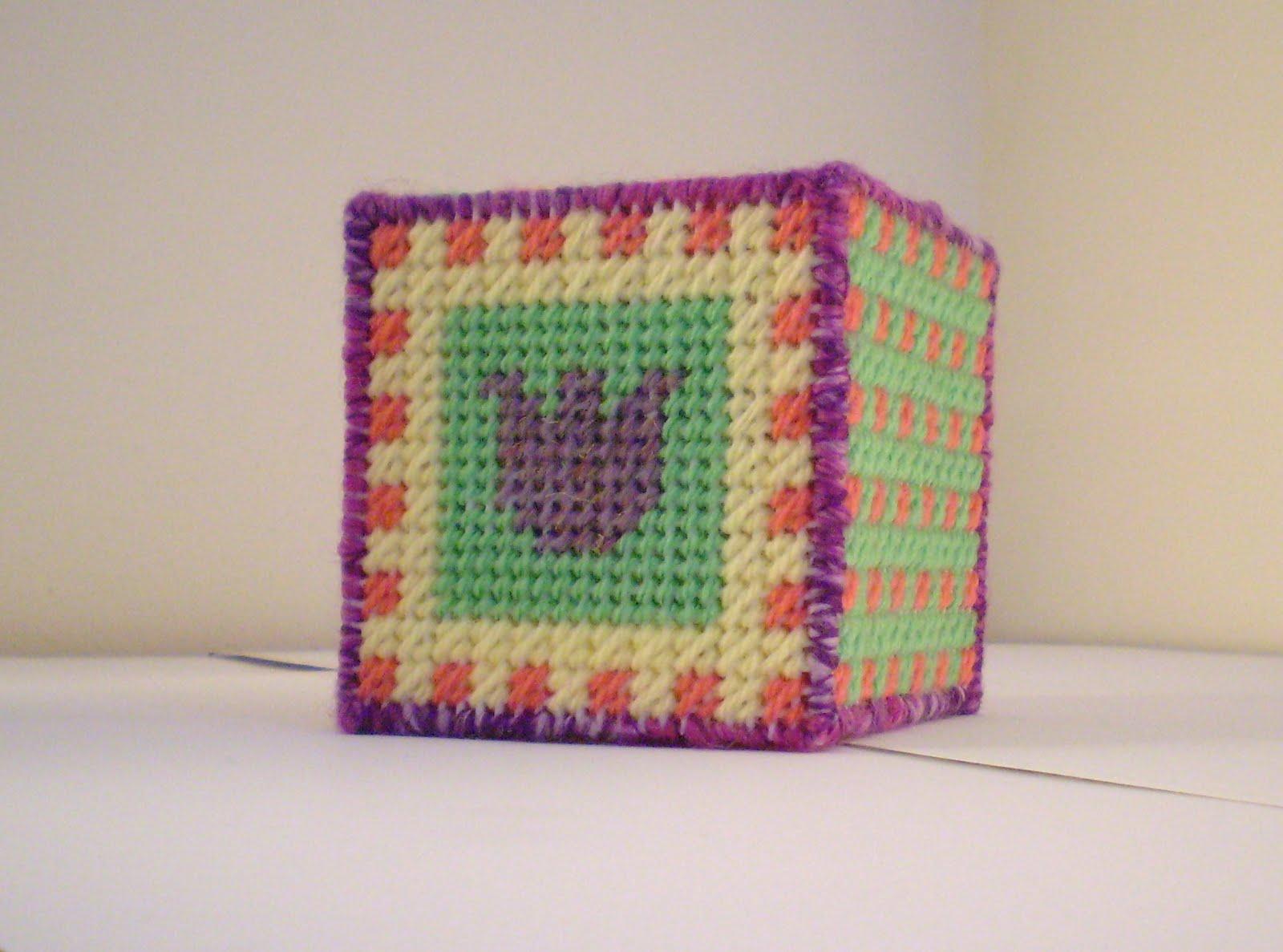 Come realizzare un cubo con il plastic canvas: tutorial fotografico in italiano