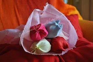La foto del giorno: tulipani in stoffa al profumo di lavanda di Sara