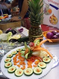 Il Mondo Creativo:l'intaglio della frutta e della verdura con i coltellini Idear