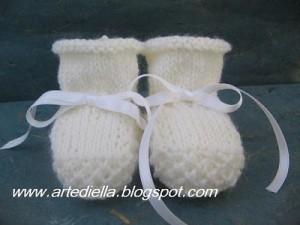 Come realizzare delle scarpine per neonata: schema e modello