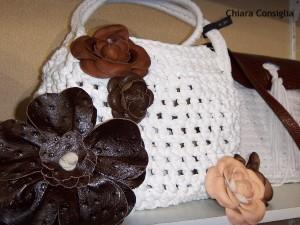 Il Mondo Creativo: Mirtilla Bijoux e le borse in fettuccia di cotone lavorate all'uncinetto