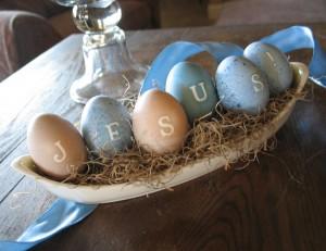 Come colorare le uova con colori naturali e come utilizzarle