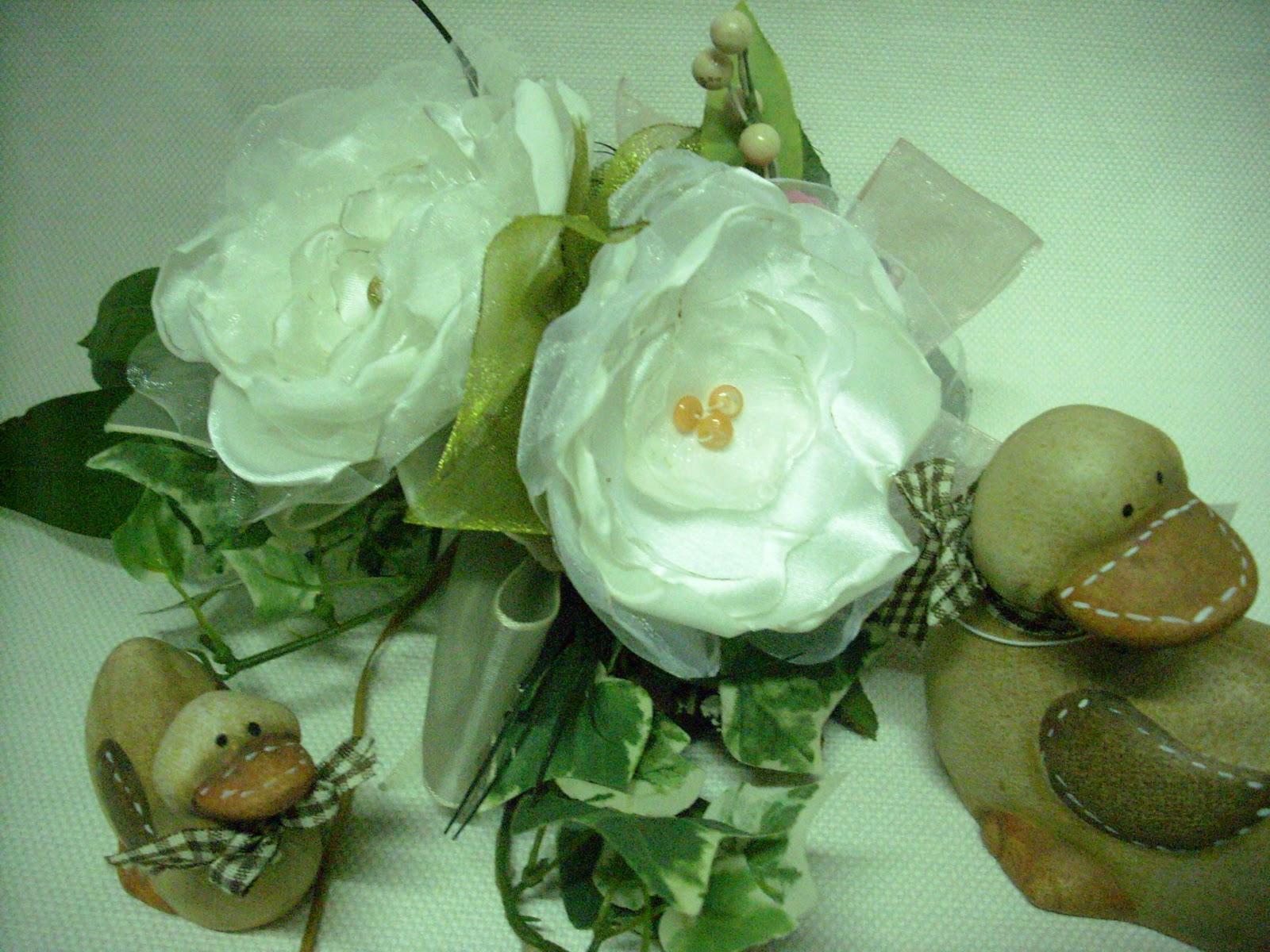 Come realizzare dei fiori di stoffa senza cuciture