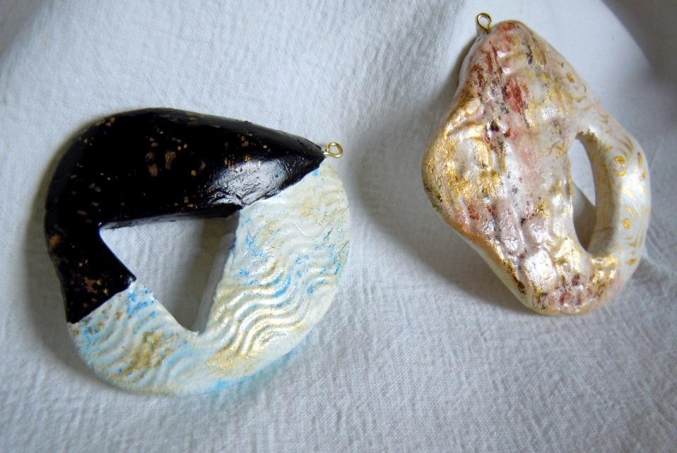 La foto del giorno: i ciondoli decorati di Valeria Atelier
