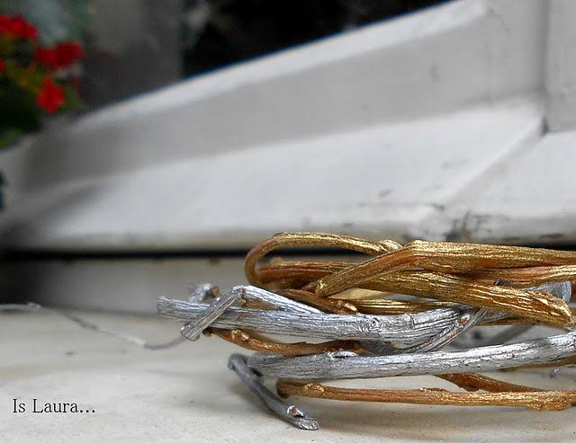 Come realizzare dei bracciali con dei rametti di salice: tutorial