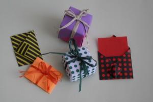 La foto del giorno: le scatoline e i biglietti di origami di Luci e Colori