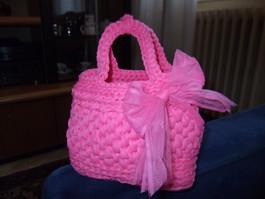 La foto del giorno: la borsa in fettuccia di Lella