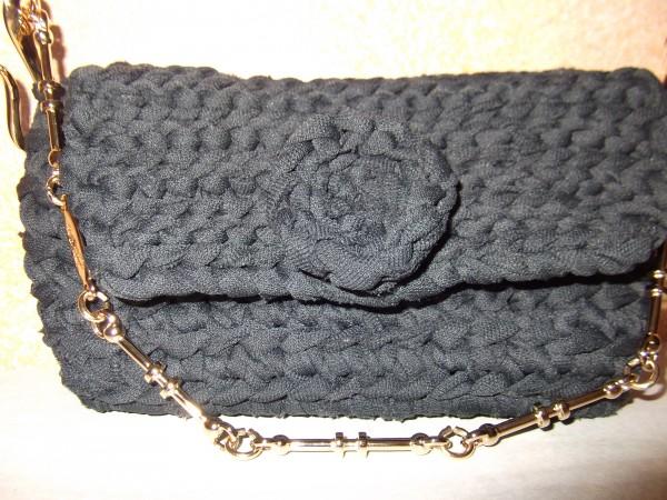 La foto del giorno: la borsetta da sera in fettuccia di Lella