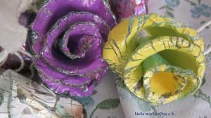 La foto del giorno: le rose fatte con i cd