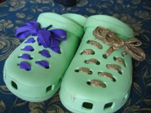 La foto del giorno: le Crocs decorate da Giulia