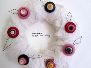 Come realizzare una ghirlanda con i bottoni: tutorial