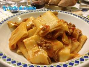 Il menù della settimana: paccheri, frittata, il gufo di frutta e le zeppole di San Giuseppe