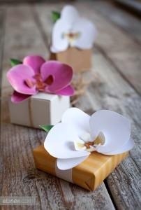 Come realizzare delle orchidee di carta: tutorial fotografico