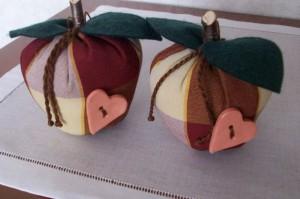 La foto del giorno: le mele di stoffa di Sara