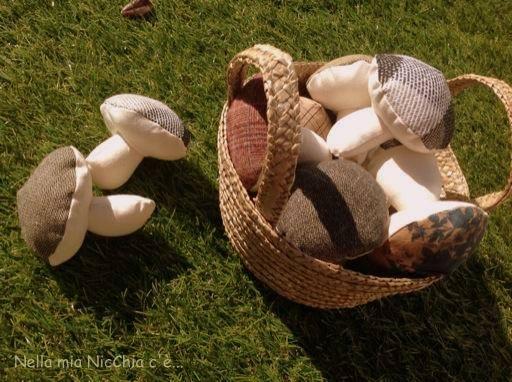 I vostri tutorial: i funghi in stoffa di Francesca