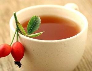 Dog rose tea (Rosa canina)