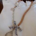 La foto del giorno: la collana shabby di Elisa