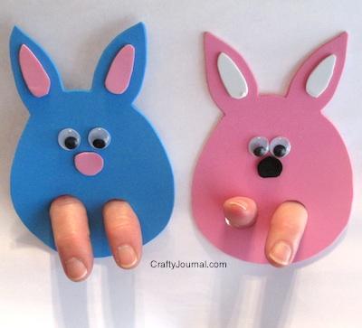 Coniglietto finger puppet