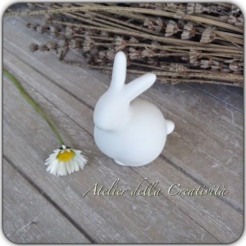 La foto del giorno: il gesso a forma di coniglietto di Liliam