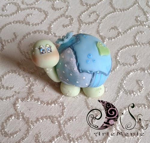 La foto del giorno: la tartaruga in porcellana fredda di Dilù