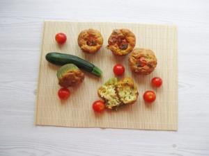 Le ricette di Cortilia: Muffin salati con pomodorini, zucchine e formaggio