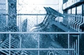 Il sale per la lavastoviglie: a che cosa serve e come sceglierlo