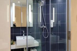 5 consigli per arredare un bagno piccolo