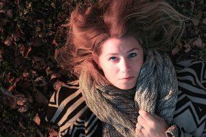Rimedi e alimentazione per combattere la caduta dei capelli autunnale