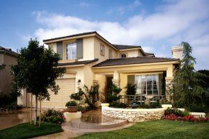 Mercato immobiliare, i prezzi di Milano e Roma