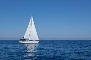 Crociera in barca vela sul Lago d'iseo