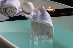 Doccia o vasca da bagno, l'eterno dilemma: guida alla scelta