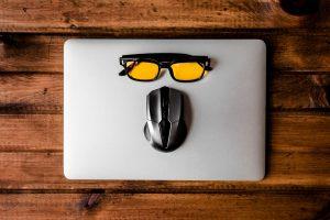 Generazioni a confronto: un ebook gratuito per affrontare il tema del cyberbullismo