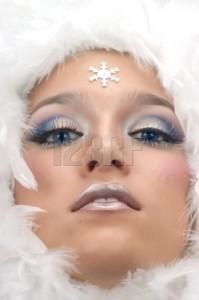 Idea per creare una maschera di carnevale: make-up fiocco di neve