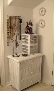 http://fell4fashion.blogspot.com/2009/06/how-i-organize-my-jewelry.html