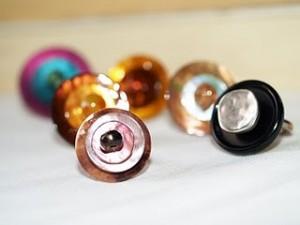 Anelli realizzati con dei bottoni