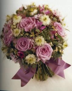 Come realizzare un bouquet da sposa