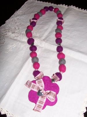 fashion style nuovi arrivi Regno Unito Come fare delle perle di feltro per realizzare una collana ...