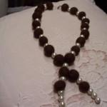 collana palline marroni e perle.jpg
