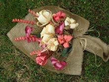 """Composizioni con fiori di """"scartosso"""" di Emidia"""
